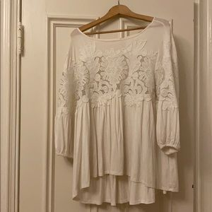 Beautiful flowy top with lace detail